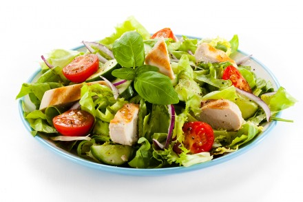 Vegetable salad with roasted chcicken meat